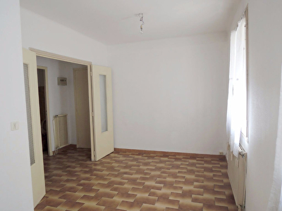 Appartement Nimes 1 pi�ce(s) 32.81 m2