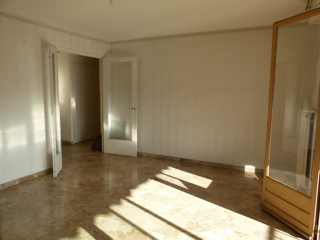 appartement-nimes-4-piece-s-71-61-m2