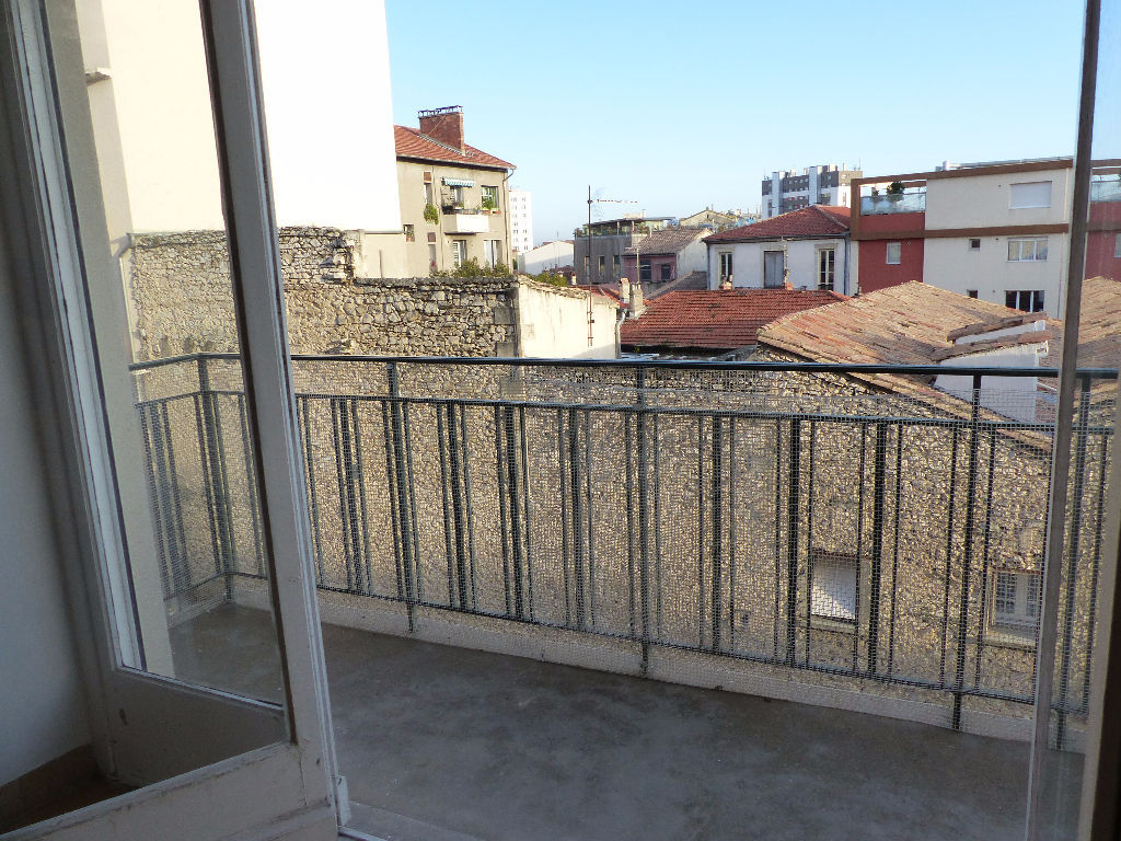 appartement-nimes-4-piece-s-88-78-m2