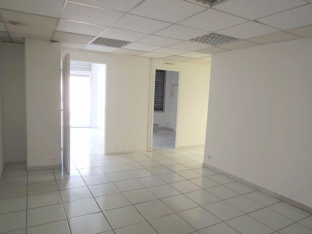 local-commercial-caissargues-100-m2