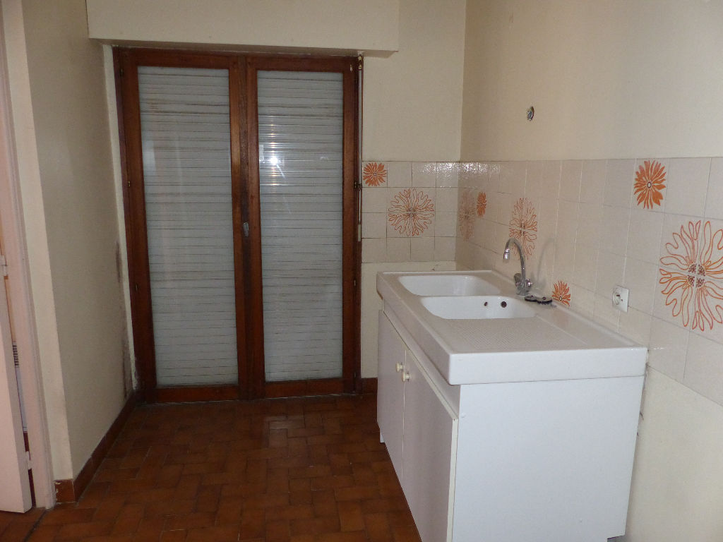 appartement-nimes-4-piece-s-73-06-m2