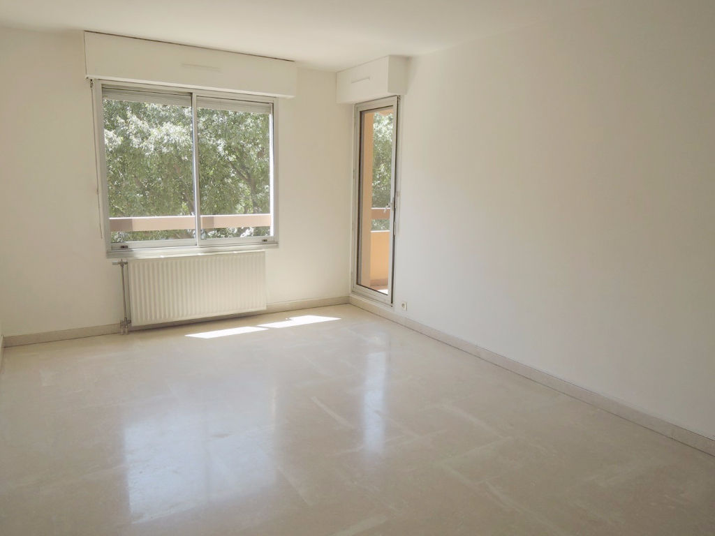 appartement-nimes-2-piece-s-48-37-m2