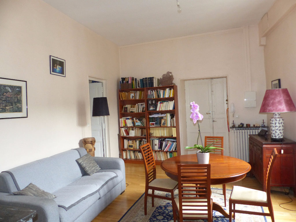 appartement-nimes-3-piece-s-82-76-m2