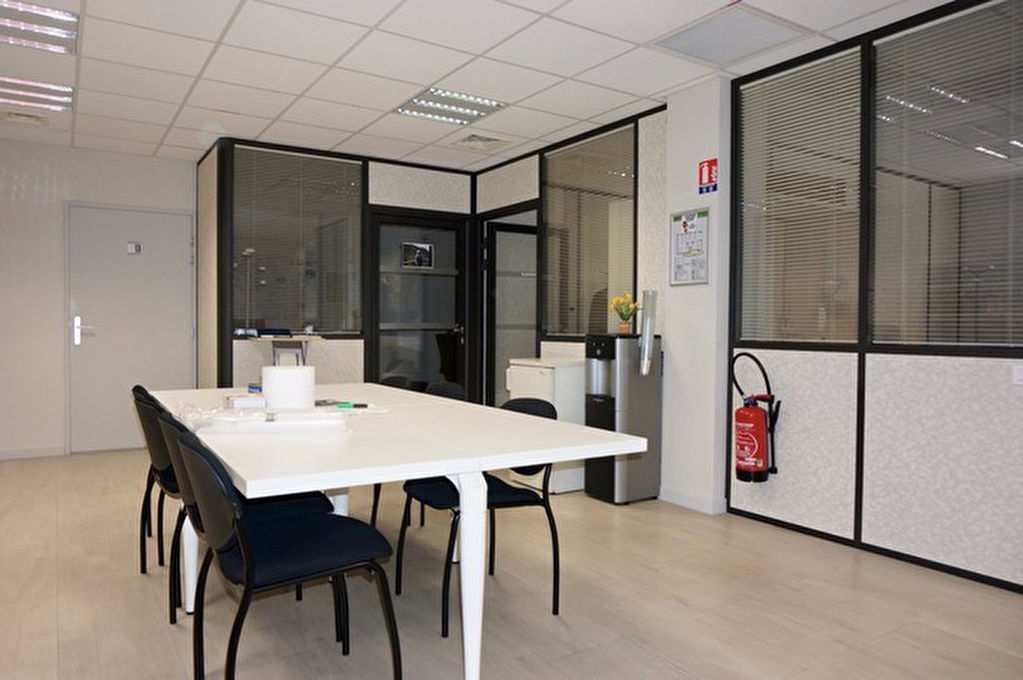 local-commercial-ou-professionnel-nimes-140-m2