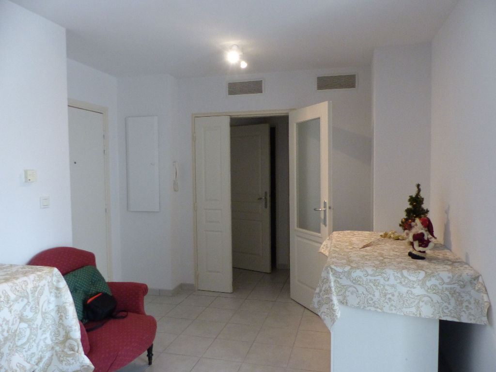 appartement-nimes-2-piece-s-45-m2