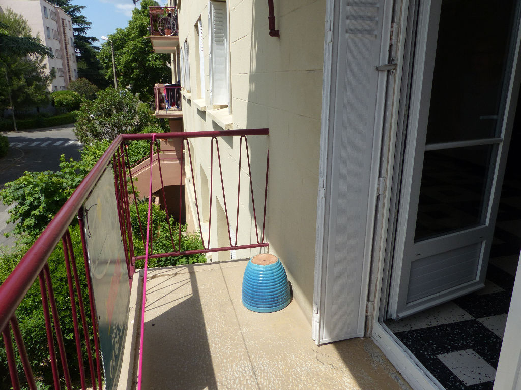 appartement-nimes-5-piece-s-78-40-m2