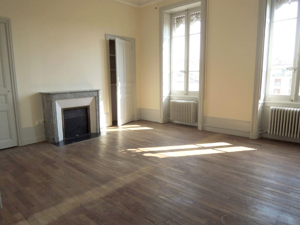appartement-nimes-4-piece-s-126-44-m2