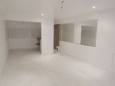 Local commercial Nimes 1 pièce(s) 21.62 m2