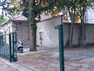Local commercial Nimes 117.51 m2